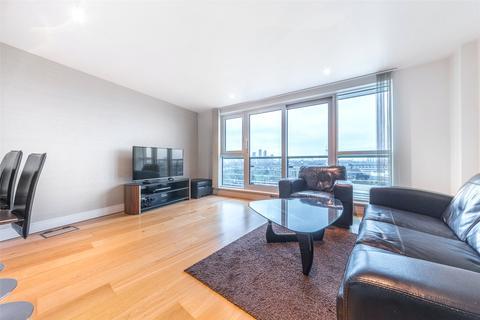 2 bedroom apartment for sale - Aquarius House, St George Wharf, SW8