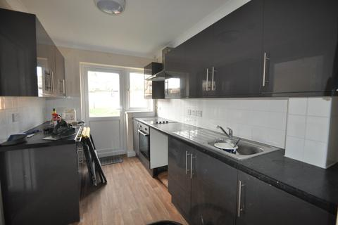 3 bedroom terraced house to rent - Hollowfield Avenue, Grays