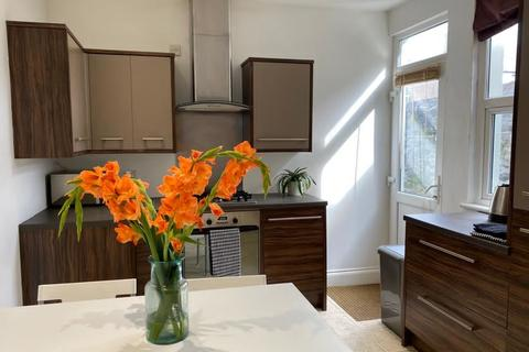 4 bedroom house share to rent - Westbourne Road, Plymouth