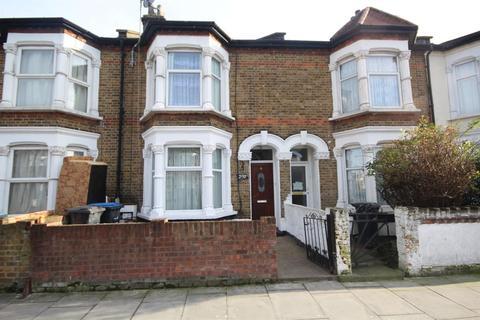 3 bedroom terraced house - Hertford Road, London