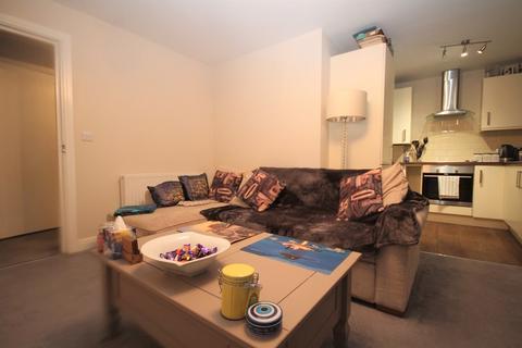 2 bedroom ground floor flat - Holdenhurst Road, Bournemouth, BH8