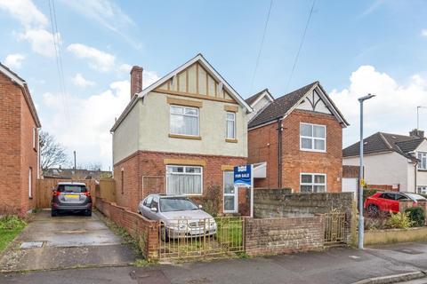 3 bedroom house for sale - Coronation Road, Salisbury