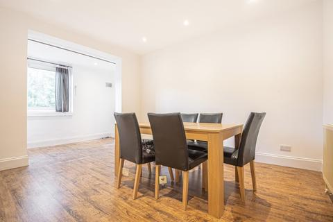 3 bedroom house to rent - Salehurst Road London SE4
