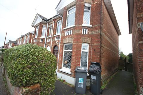 5 bedroom semi-detached house to rent - Cardigan Road BOURNEMOUTH