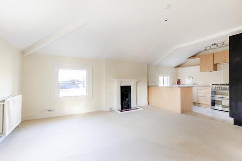 2 bedroom apartment to rent - Pittville Crescent, Cheltenham GL52 2QZ