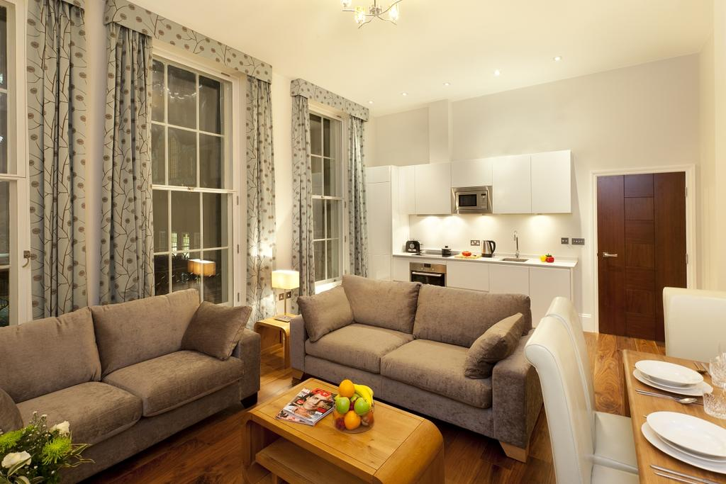 2 Bedrooms Flat for rent in Tavistock Place, Bloomsbury, London
