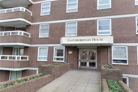 2 bedroom flat to rent - Gainsborough House, Hove