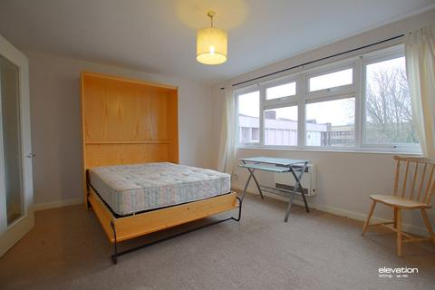Studio to rent - North Ninth Street, Milton Keynes, MK9