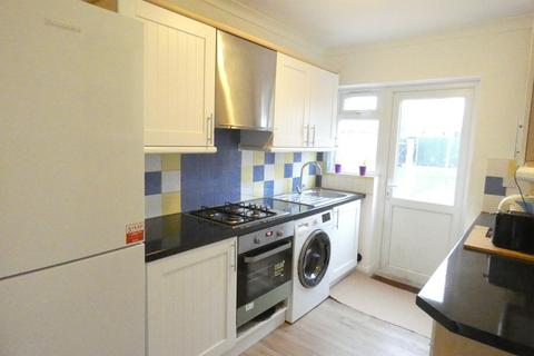 3 bedroom semi-detached house to rent - Greenford Avenue, London, W7