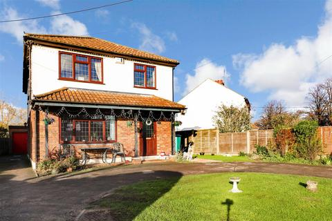 3 bedroom detached house for sale - Church Road, Barling Magna, Southend-On-Sea