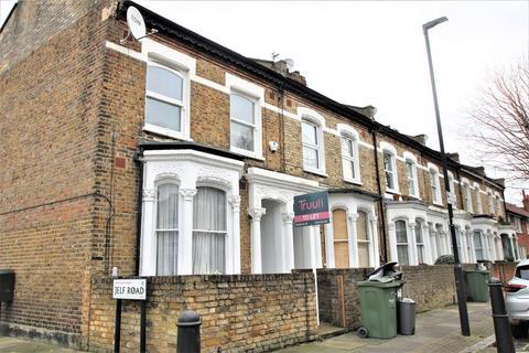 3 bedroom flat - Rattray Road, London, SW2