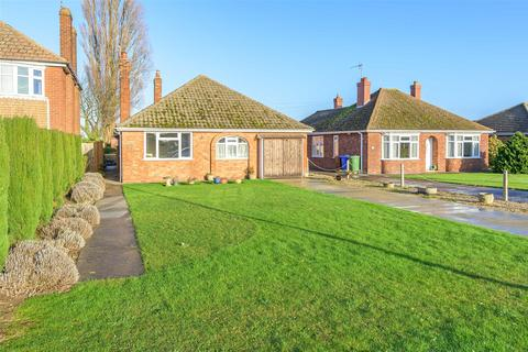 3 bedroom bungalow for sale - Blackthorn Lane, Boston