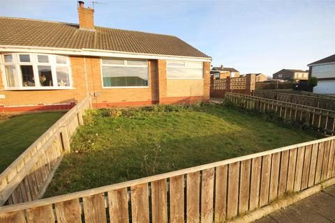 2 bedroom semi-detached bungalow to rent - Spalding Road, Fens, Hartlepool