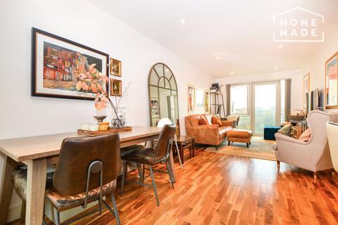 2 bedroom flat to rent - Juniper Drive, Battersea, SW18