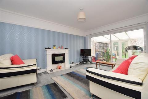 3 bedroom detached bungalow for sale - Balcombe Road, Horley, Surrey
