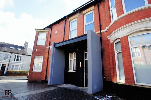 2 bedroom apartment to rent - Flat D,  Queens Road, Jesmond