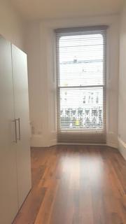 Studio to rent - Kensington Park Road