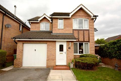 3 bedroom detached house for sale - Priestley Court, Pudsey, West Yorkshire