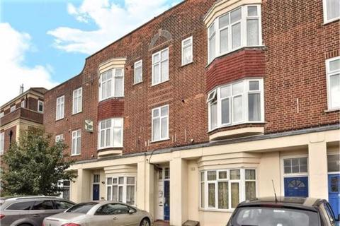 3 bedroom apartment - PROPERTY REFERENCE 210 - Bromley Road, London