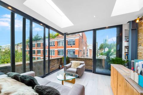 2 bedroom end of terrace house for sale - Banner Street, London, EC1Y