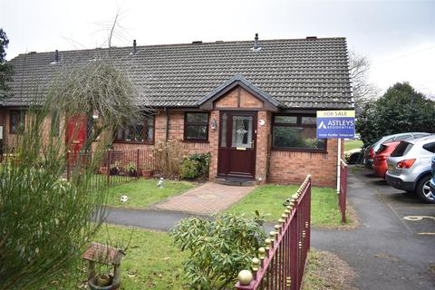 2 bedroom bungalow for sale - Clos Pengelli, Grovesend, Swansea, City And County of Swansea. SA4 4JW