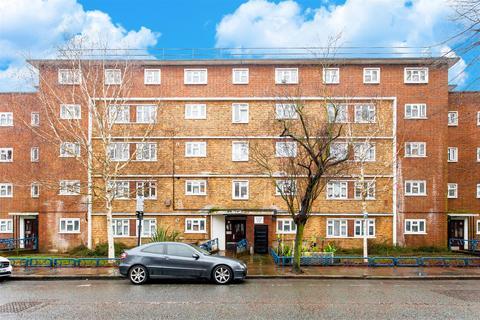 1 bedroom flat - Hutton Court, Stroud Green