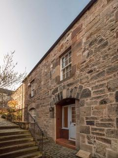 2 bedroom townhouse to rent - LOCHEND CLOSE, HOLYROOD MEWS, OLD TOWN, EH8 8BL
