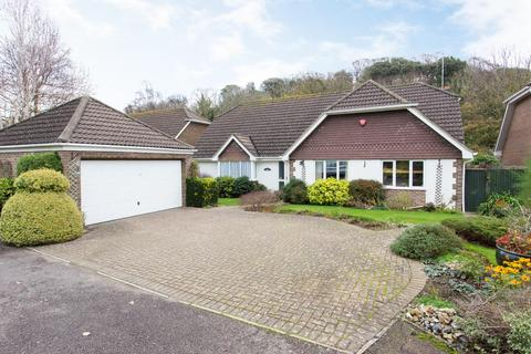 4 bedroom bungalow for sale - Grams Road, Walmer, Deal
