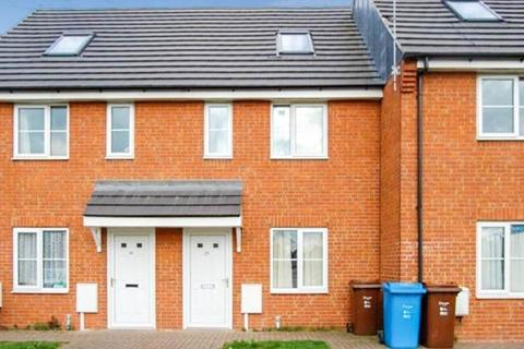 3 bedroom terraced house to rent - Wormley Court, Riccal Close