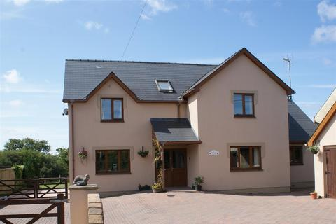 5 bedroom detached house - Carriageways, Station Road, Letterston, Haverfordwest