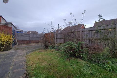 2 bedroom detached bungalow for sale - Sandown Road, Ipswich