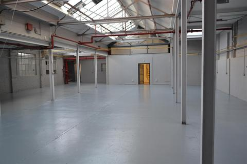Industrial unit to rent - The Banks, Sileby, Loughborough