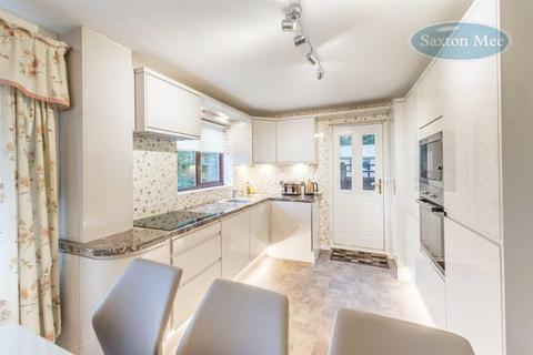 3 bedroom semi-detached house for sale - Burrows Drive, Bishopsholme, Sheffield