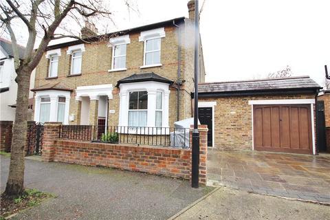 3 bedroom semi-detached house for sale - Fruen Road, Feltham, TW14