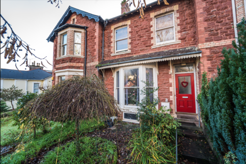 3 bedroom terraced house - Walnut Road, Chelston, Torquay TQ2