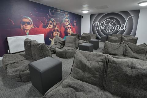 Studio to rent - Suffolk Street, Queensway