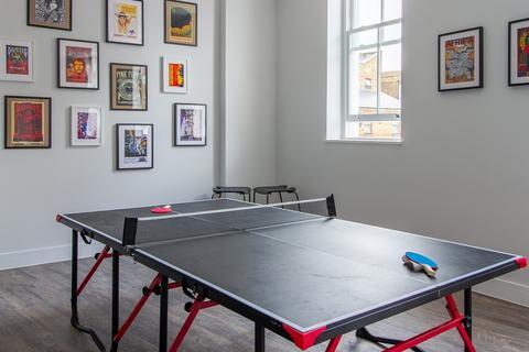 Studio to rent - 2 Chesnut Road