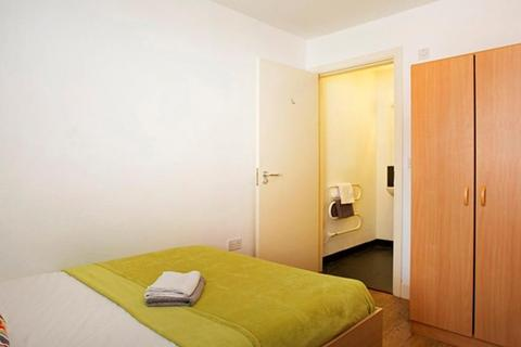1 bedroom in a flat share to rent - 131 Western Road