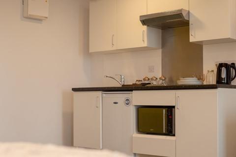 1 bedroom flat share - 30 All Saints Green