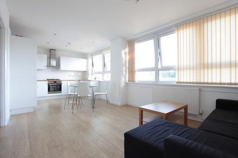 4 bedroom flat - St Matthews Road