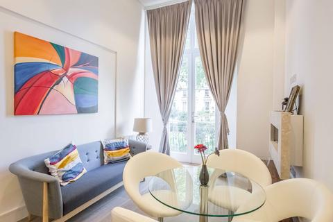 1 bedroom apartment - Princes' Square, Notting Hill W2