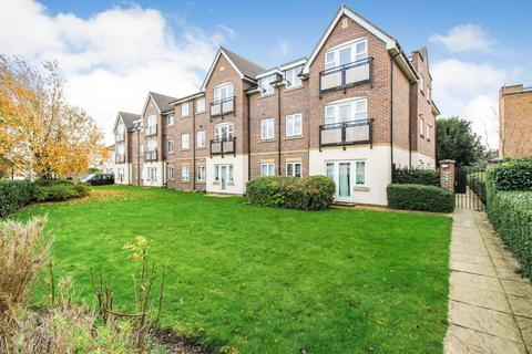2 bedroom apartment - Pemberton Court EN1