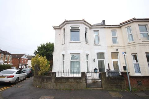 5 bedroom semi-detached house to rent - Henville Road, BOURNEMOUTH