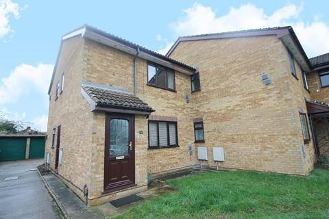 1 bedroom maisonette - Riverside Road, Stanwell, TW19