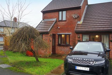 3 bedroom detached house to rent - 1 Eaglesbush Close, NEATH, West Glamorgan