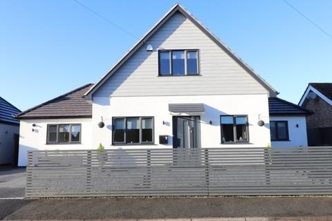 4 bedroom detached bungalow for sale - Common Road, Witchford