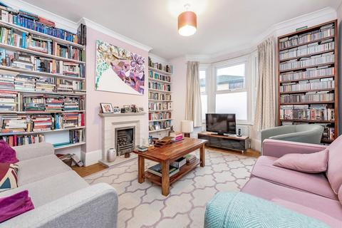 3 bedroom terraced house - Gatton Road, London SW17