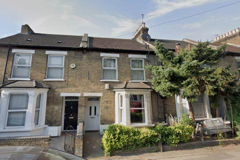 2 bedroom flat to rent - Granville Road, South Woodford, London