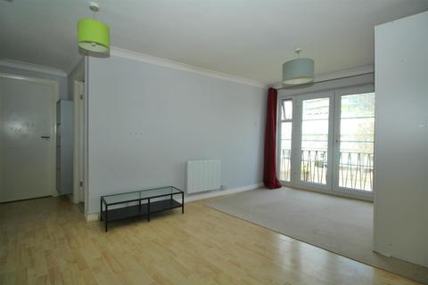 Studio for sale - Tiptree Drive, Enfield