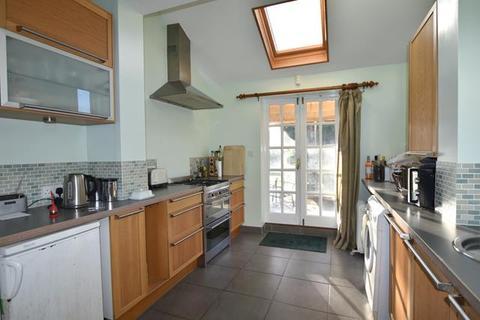 3 bedroom semi-detached house for sale - Glebe Road, Peterborough